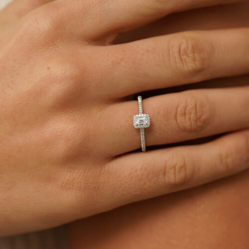 719 - Emerald Ring - White