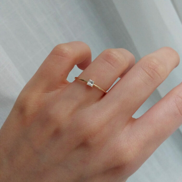 255-Princess-Wire-Stack-Ring-Yellow