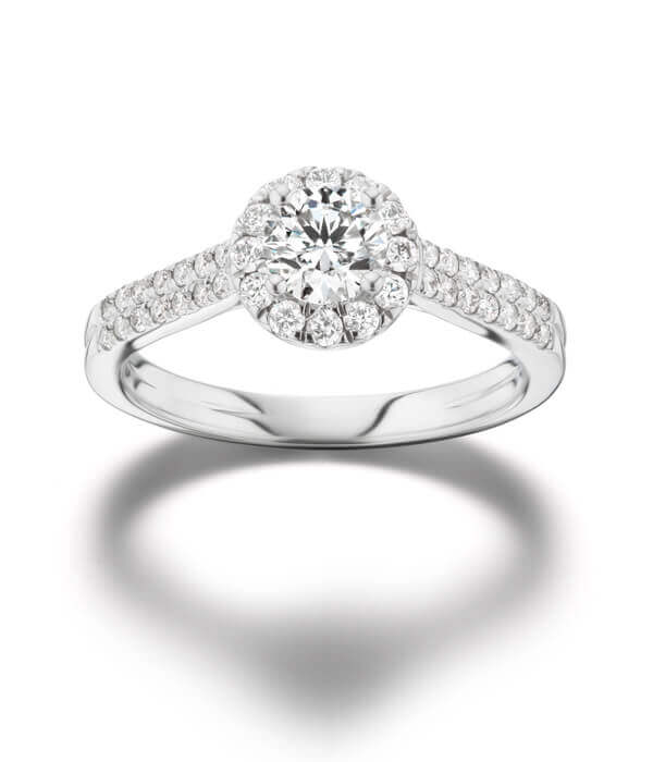 Lab grown Diamond Engagement Ring with Halo